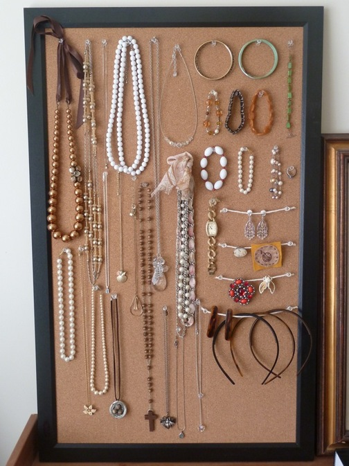 how to cork board jewelry display requies